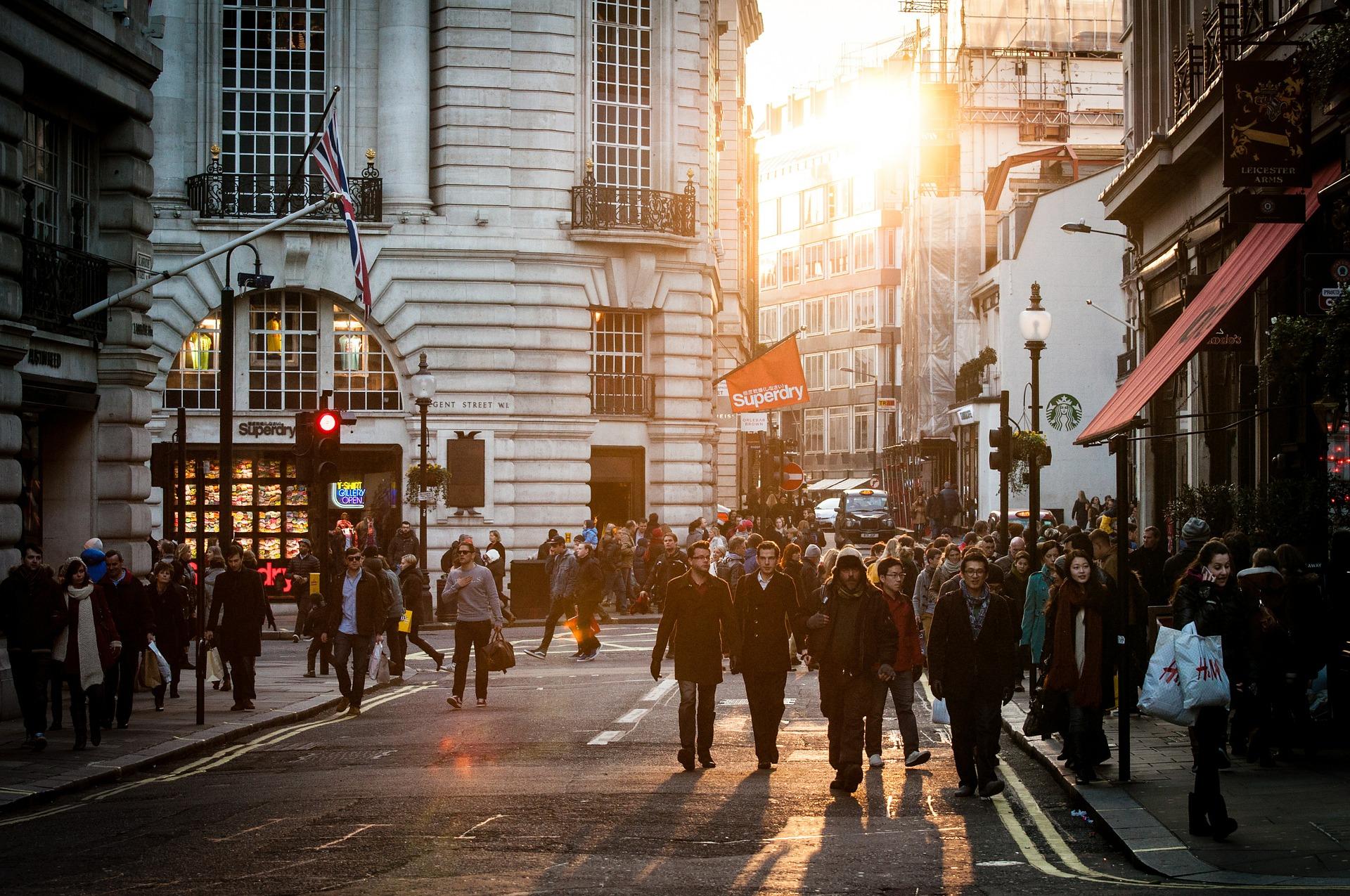Nederlanders gek op shoppen tijdens vakantie maar niet op kopen